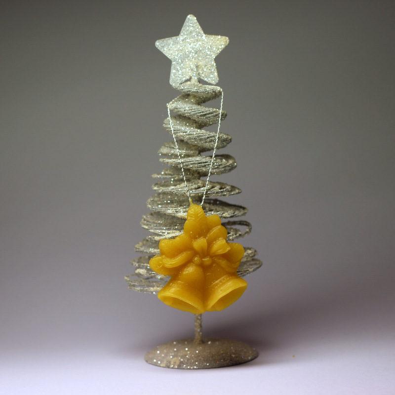 Zvoneček - vánoční ozdoba ze včelího vosku