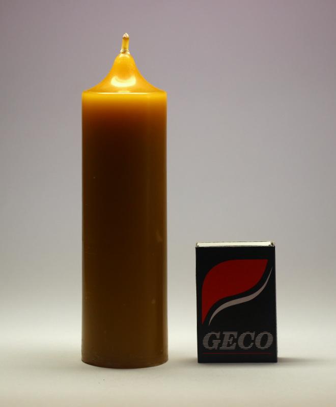 Válec se špičkou 2 - svíčka ze včelího vosku