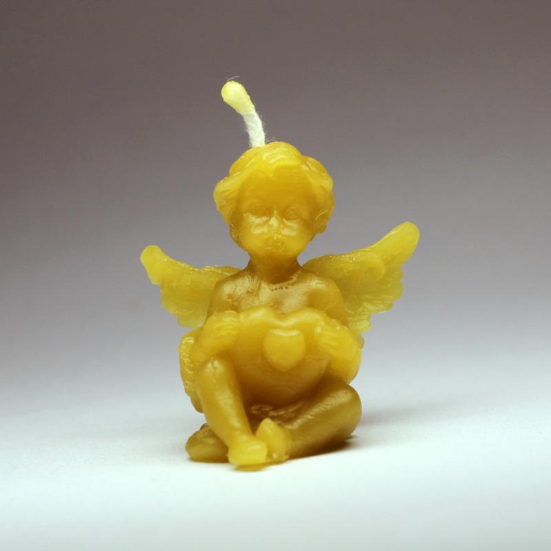 Anděl se srdíčky - svíčka ze včelího vosku - Martin Vodvářka